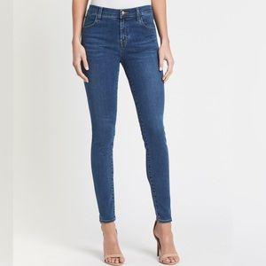 J Brand Skinny Jean in Piper Wash